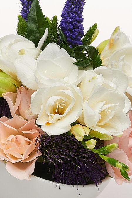 Barcuta - Aranjament floral