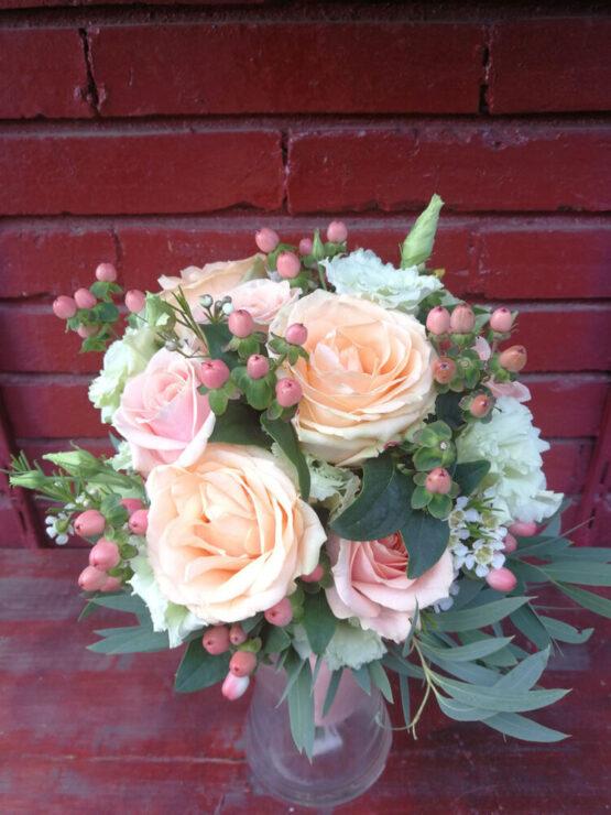 Aranjament floral - Portocaliu hipericum